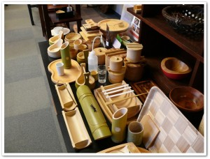 山下工芸さん展示スペース