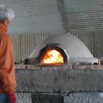 ピザ窯を温める