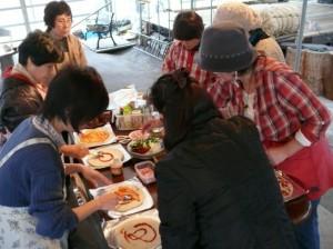 俚楽の郷の陶芸仲間とピザ体験