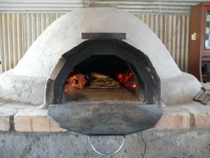 網の上でピザを焼く