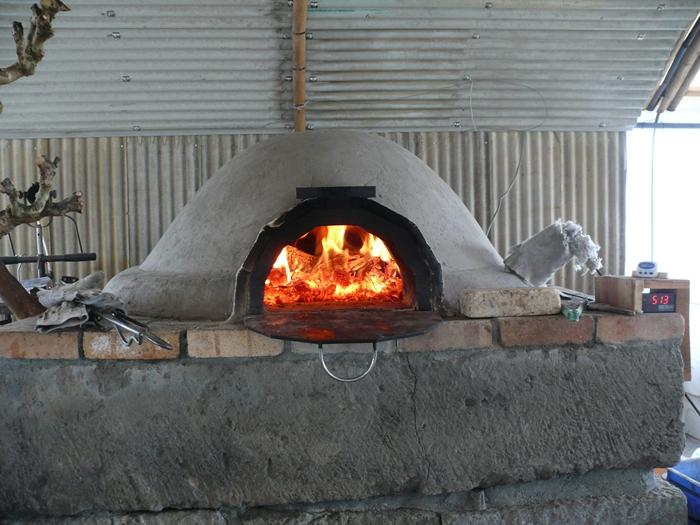 火を入れ窯を暖める