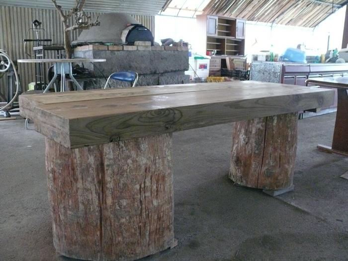 新しい木のテーブル