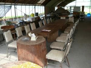 結婚式場の椅子