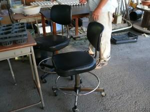頂いた2脚の椅子