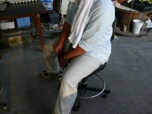 懐かしさを感じる椅子の感触