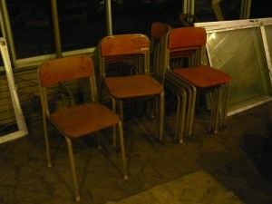 学校の椅子