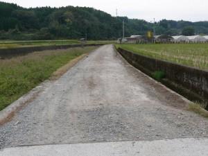 コンクリート舗装前の道