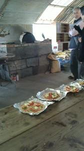 天気に恵まれピザ窯体験