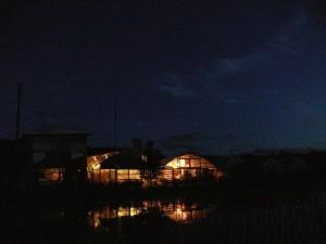 夏夜のハウス